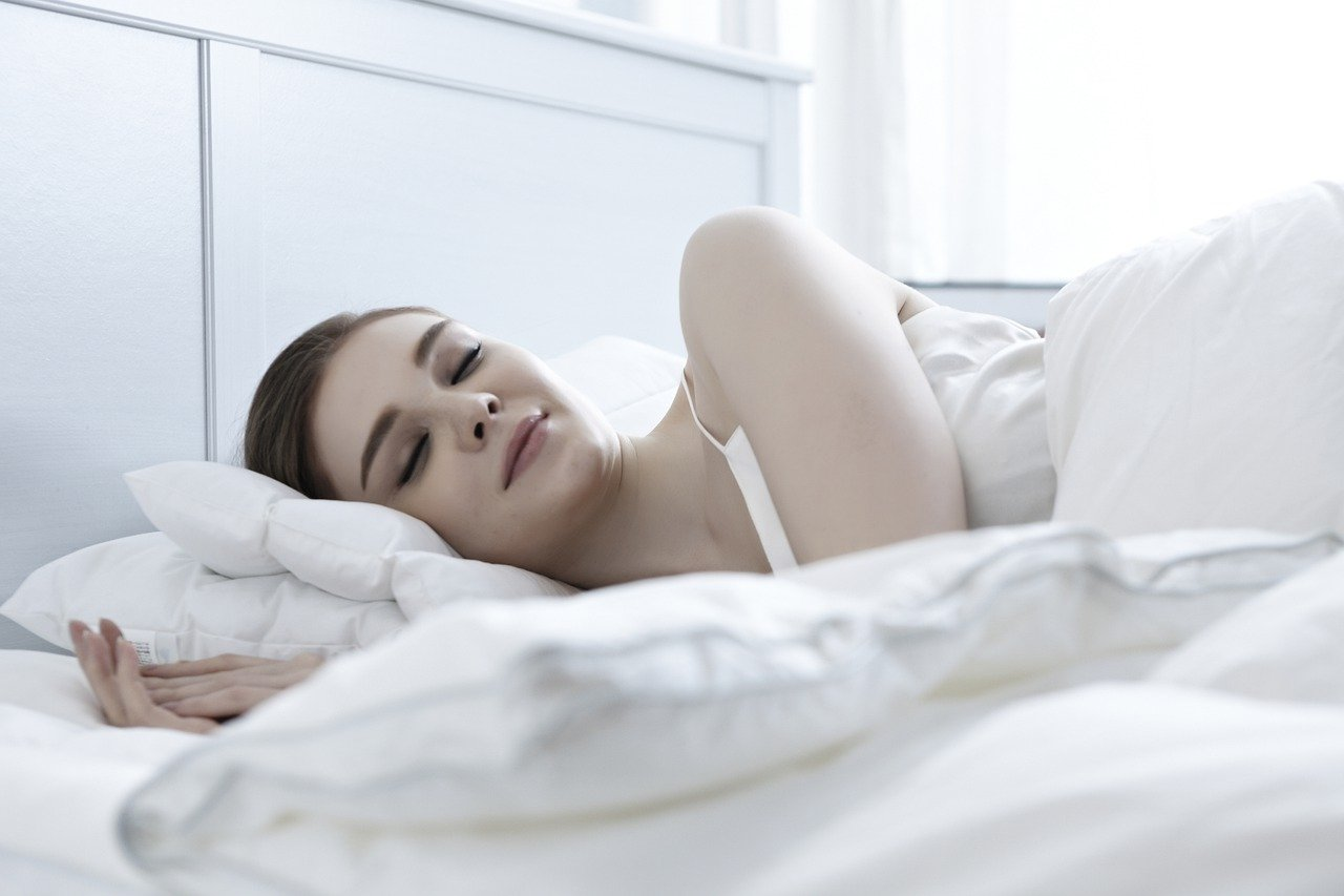 Are you having trouble sleeping? – Here are top tips to help you fall asleep